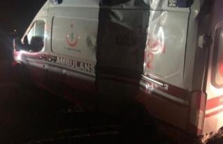 Ağrı'da ambulans kaza yaptı