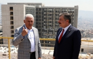 Bakan Koca ve Yıldırım, şehir hastanesi inşaatını...