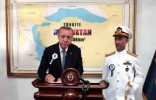 Erdoğan'ın önünde poz verdiği harita, Yunan...