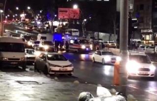 Şerit Değiştiren Sürücü Ambulansa KazaYaptırdı