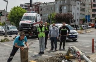 İstanbul'da ambulans kaza yaptı: 3 sağlık...