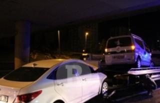 Ambulansa çarpan otomobilin sürücüsü ağır yaralandı