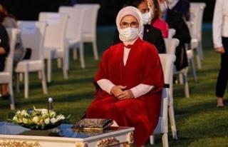 Hande Fırat: Emine Erdoğan imitasyon çanta kullanıyor
