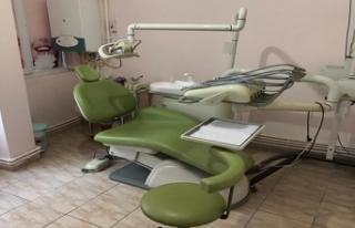 Ruhsatsız klinik açan sahte diş hekimi yakayı...