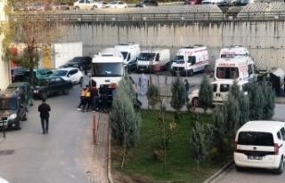 Sağlık çalışanları, arızalanan tankeri itti