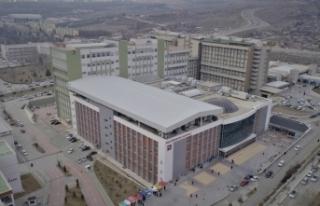 Üniversite Hastanesinde üçlü vardiya geçildi