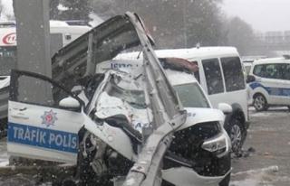 Polis aracı, polisi aracına arkadan çarptı: 3...