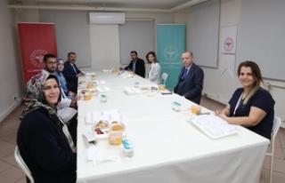Cumhurbaşkanı Erdoğan, sağlık çalışanlarıyla...
