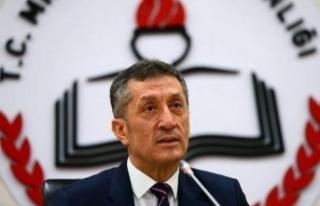 Ziya Selçuk'tan sınav ertelemesi açıklaması