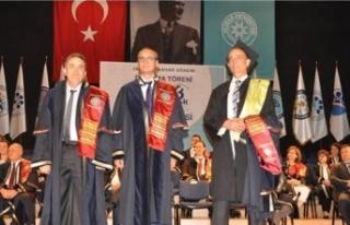 5 üniversite bitiren uzman doktor herkese örnek...