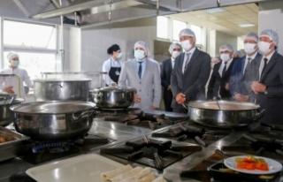 Hastane yemekleri meslek lisesi öğrencilerinden