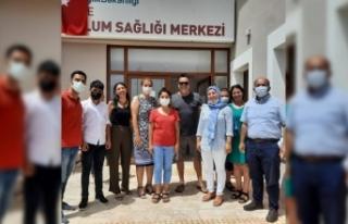 Beyazıt Öztürk'ten Çeşme'de sağlık çalışanlarına...