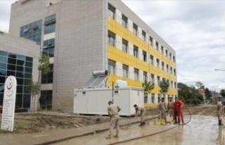 Ayancık Devlet Hastanesi kısmi olarak hizmet vermeye...