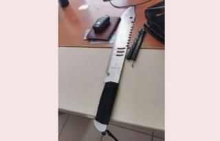 Sağlık Çalışanlarına 'Rambo' Bıçağıyla...