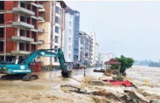Sel felaketinde 27 can kaybı, 100'ün üzerinde...
