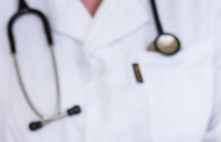 Aşı vurdurmayan askerî hastane müdürü istifa...