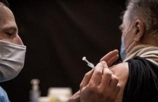 Fransa'da aşı olmayan 3 bin sağlık çalışanı...