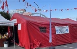 Kovid-19 aşı çadırına zarar verildi