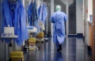 Sağlık çalışanları kaybettikleri meslektaşlarını...