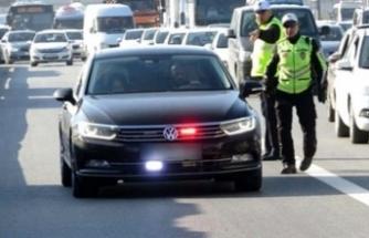 Trafikte geçiş üstünlüğü tanınan 850 bürokrat ve siyasetçi