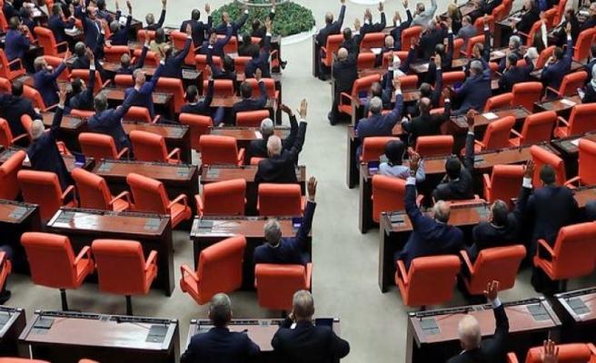Mecliste Tam 65 Sağlıkçı Vekil Var