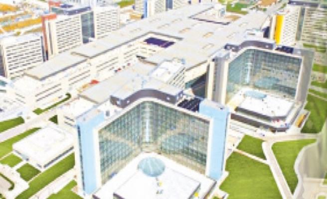 Şehir hastaneleri modern ameliyathaneleri ile sağlıkta çığır açıyor