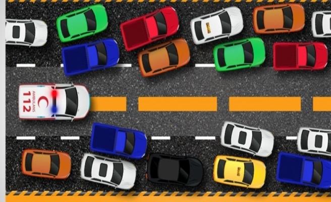 Ambulans şoförü: Fermuar sistemini, tüm sürücüler öğrenmeli