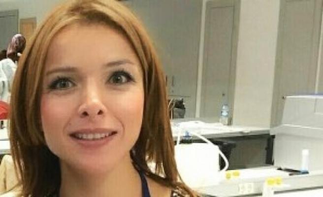 Kadın Doktor Evinde Asılı Bulundu
