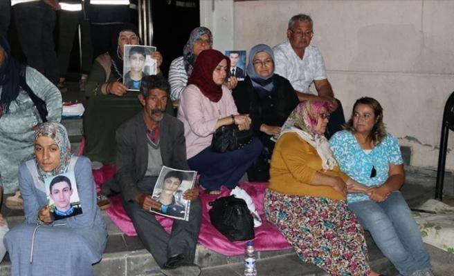 Yıldız hemşire'den Diyarbakır'daki annelere destek
