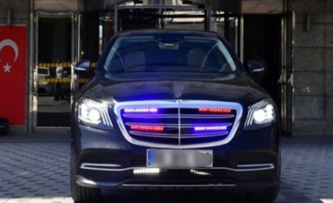 Belediye Başkan Yardımcısı Kapısını Açmayan Şoförü Görevden Aldı