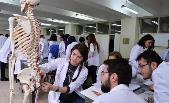 Türkiye'de Tıp Fakülteleri, Tıp Eğitimi ve Hekim Göçü