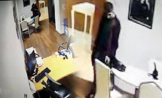 Hastanede hırsızlık! Kameralara Yansıdı