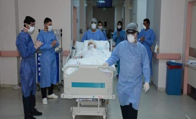 Bu hastanede son korona hastası da yoğun bakımdan çıktı