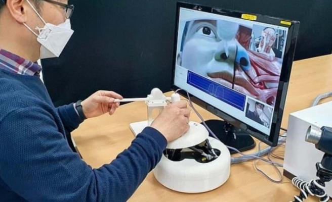 Koronavirüs testi için temassız robot