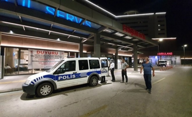 Hasta yakınına hastane önünde silah çeken kadın, gözaltına alındı