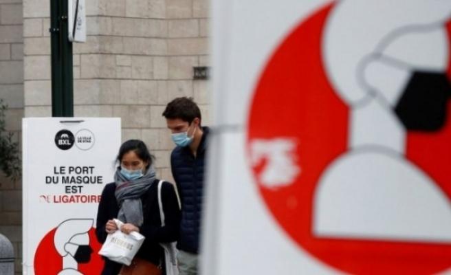 Belçika'da hastalarını maskesiz muayene eden aile hekimi 100'den fazla kişiye koronavirüs bulaştırdı