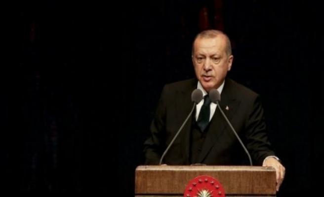 Erdoğan AYM üyesinin istifasını istedi