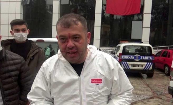 Ambulans şoförüne 'Bu yoldan gidemezsin' deyip saldırdılar!