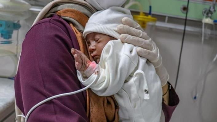 Hastanelerde 'Emzirme Destek Birimleri' kurulacak