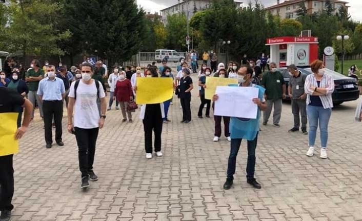 3 Aydır Maaş Alamayan Şehir Hastanesi Çalışanları Eylem Yaptı